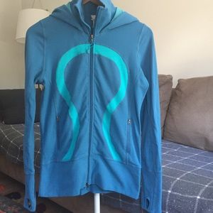 Lululemon super stretchy hoodie. Size 6.